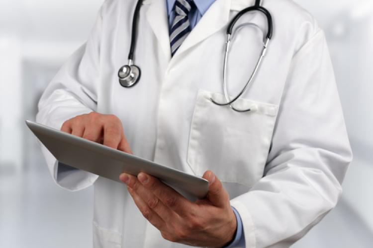 Focus on electronic records takes away from patient care